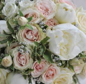 10 motive sa consulti un florist inainte sa cauti pe Pinterest buchetul de mireasa
